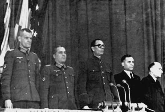 Члены Президиума КОНР (слева направо): Ф.И. Трухин, Г.Н. Жиленков, А.А. Власов, В.Ф. Малышкин, Д.Е. Закутный. Берлин, 18 ноября 1944 г.