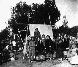 Крестьяне Спасского-Лутовинова. Фото В.Каррика. 1883г.