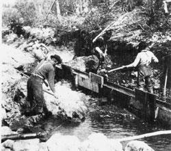 Работа старателей. Рудник на Западе США